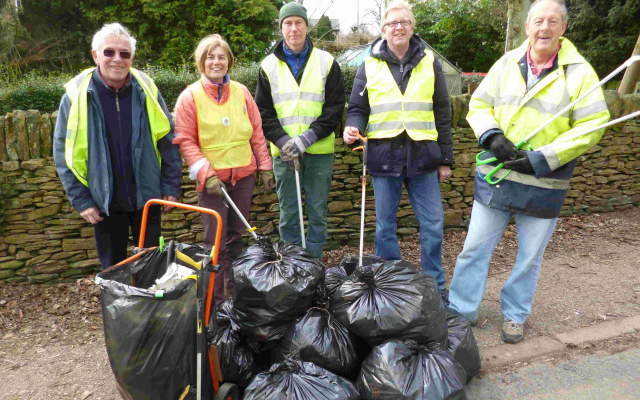 Litter Picking with BMBC Councillors